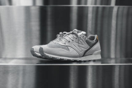 "New Balance WMNS 696 - ""Suits & Sneaks"""