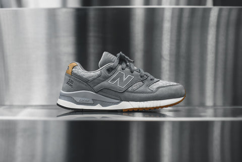 "New Balance WMNS 530 - ""Suits & Sneaks"""
