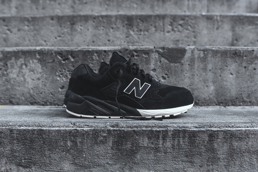 New Balance MRT580 - Black