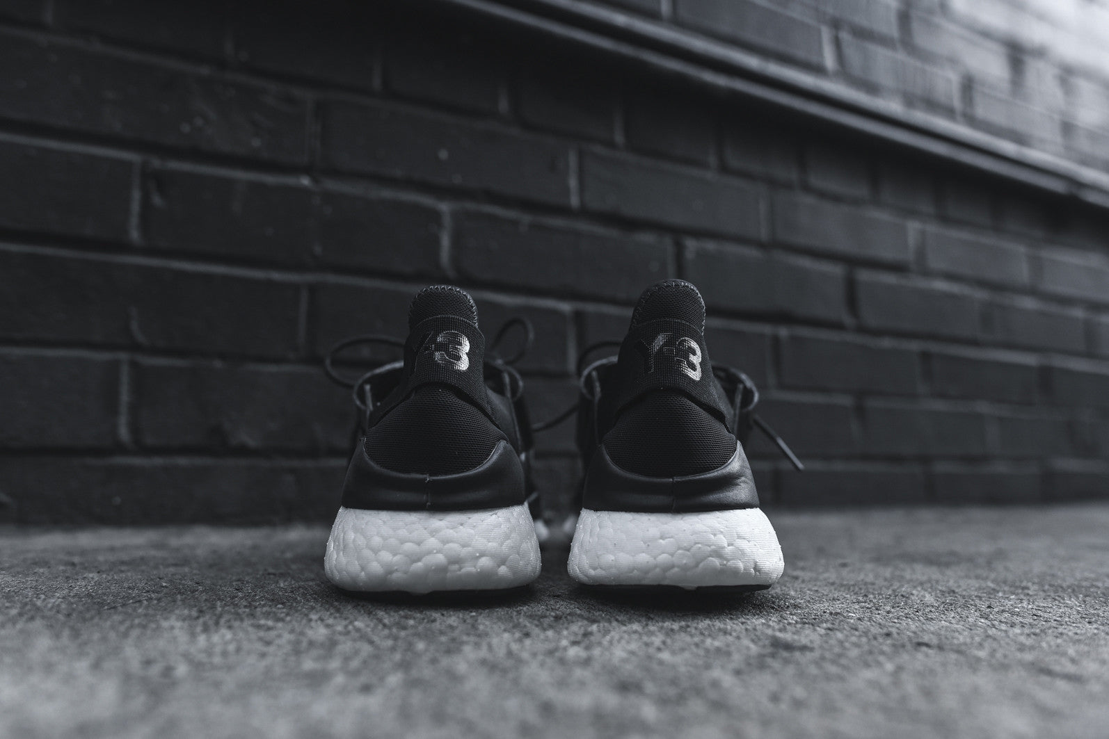 Y-3 WMNS Chimu Boost - Black / White