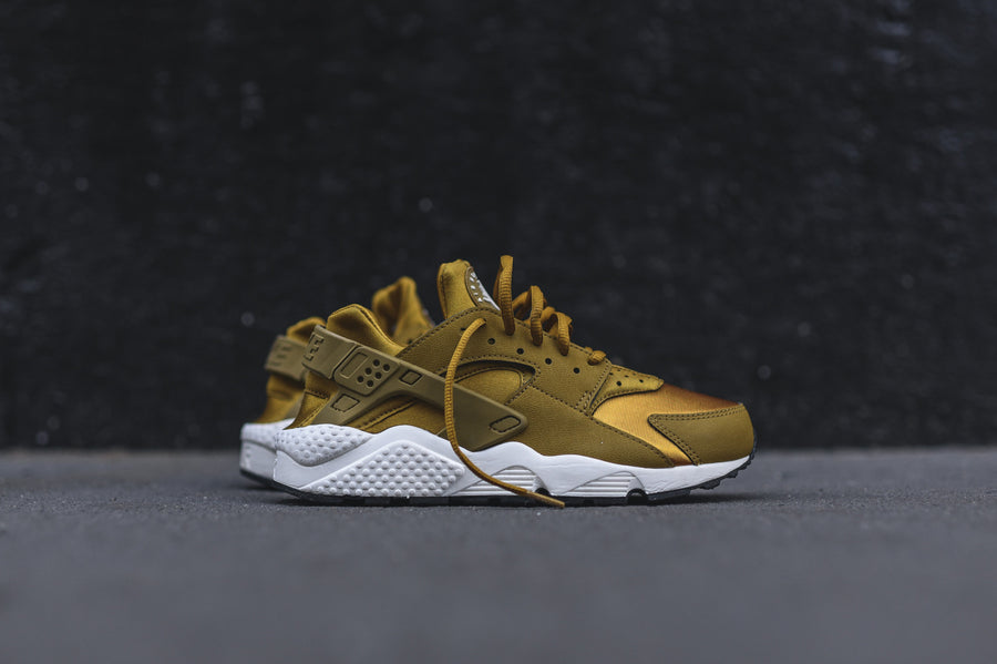 Nike WMNS Air Huarache Run - Bronzine