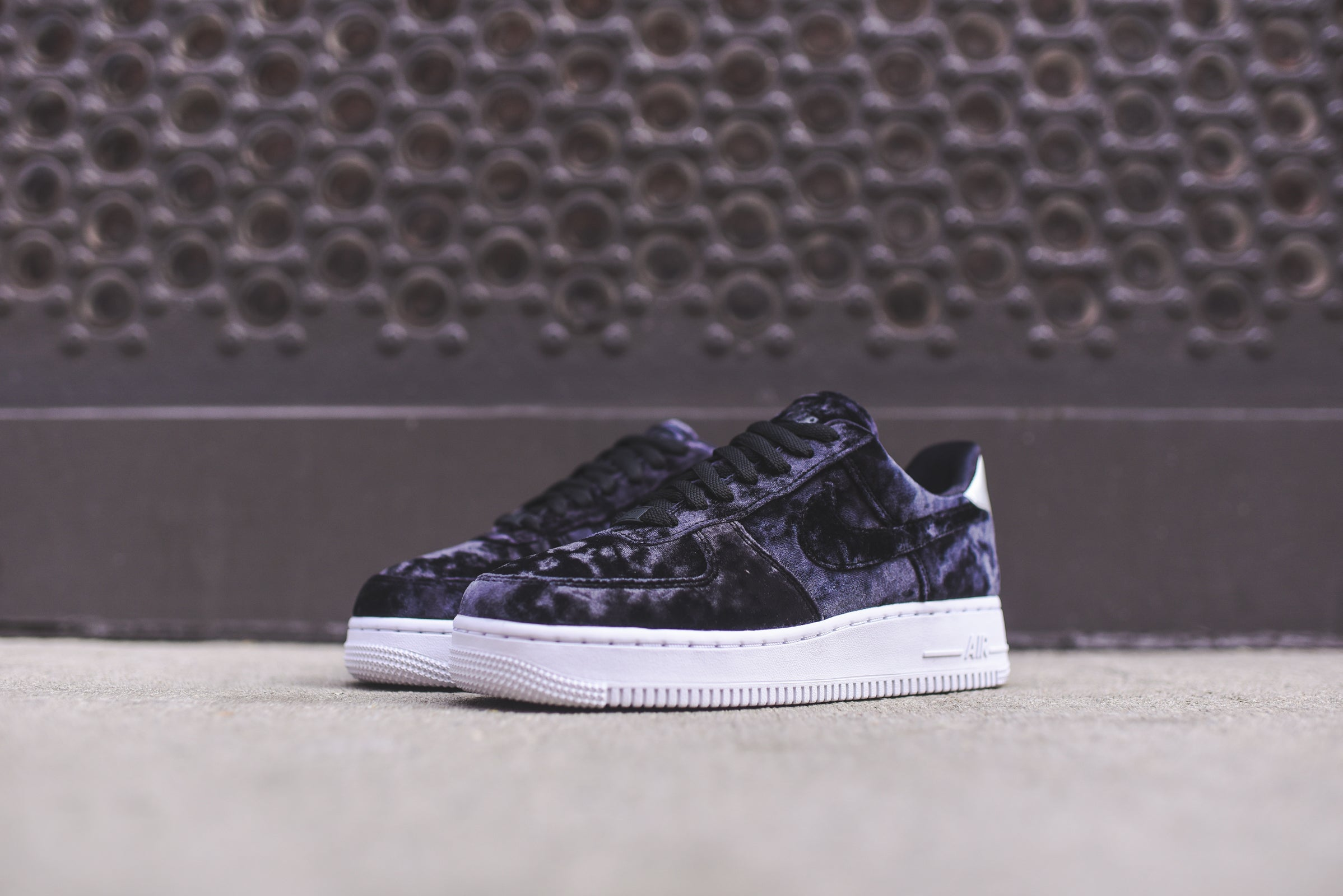 Nike WMNS Air Force 1 PRM - Black / White / Silver