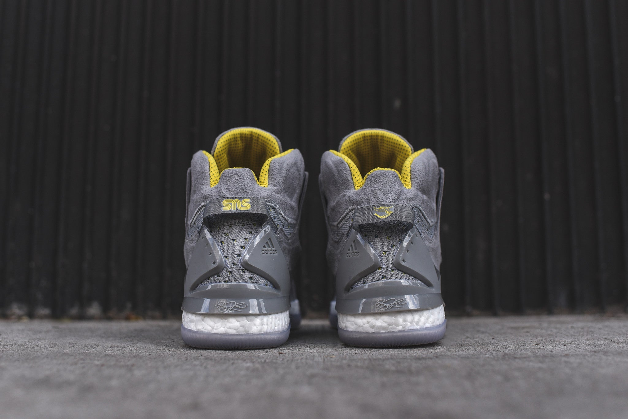 adidas Consortium x Sneakers N Stuff D Rose 7 - Onix / Yellow / White