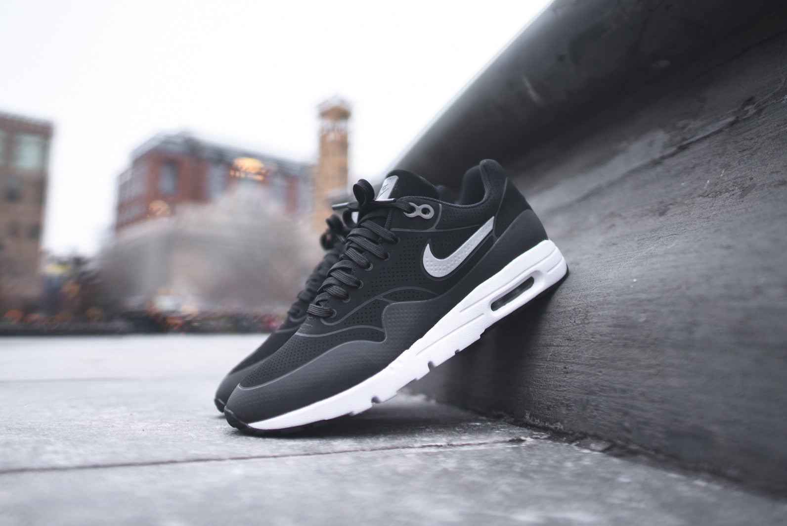 Nike WMNS Air Max 1 Ultra Moire - Black / Metallic Silver