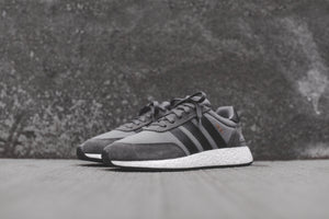 adidas Iniki Runner - Grey / White