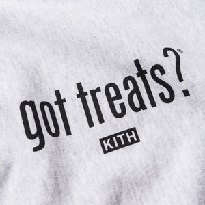 Kith Treats x got milk? Got Treats Crewneck - Heather Grey Image 3