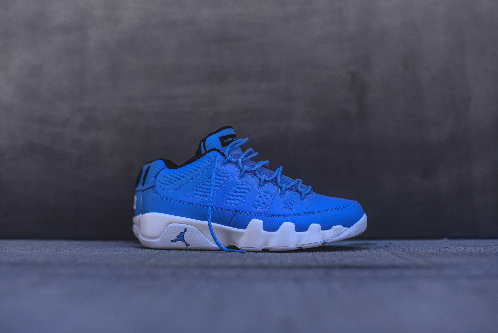 Nike Air Jordan 9 Retro Low - University Blue