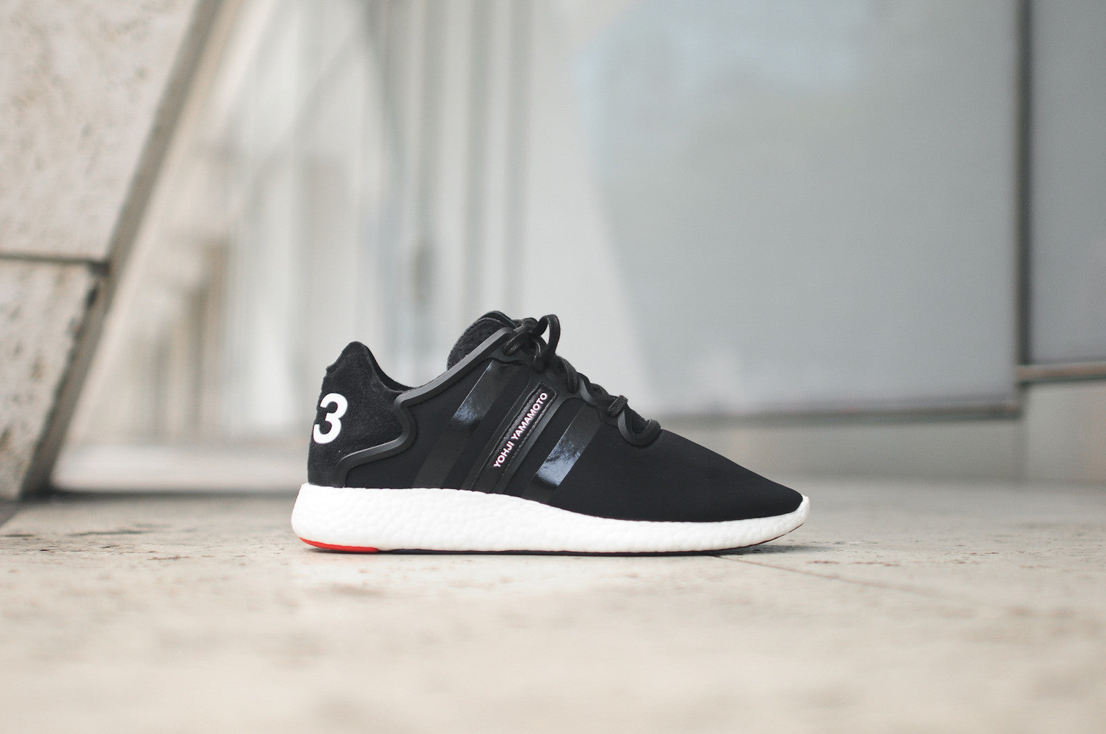 Y-3 Yohji Boost - Black / White