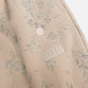 Kith x mastermind WORLD Fleece Sweatpants - Turtle Dove
