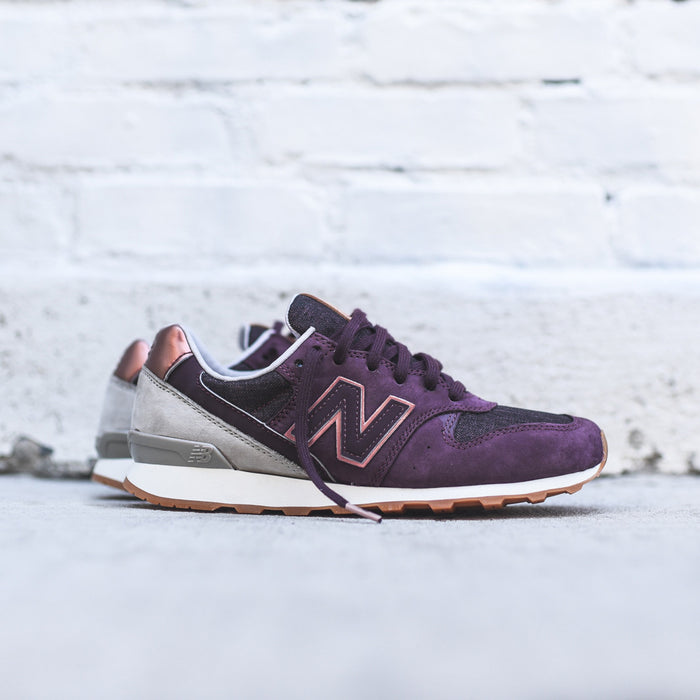 New Balance WMNS 696 - Supernova Red