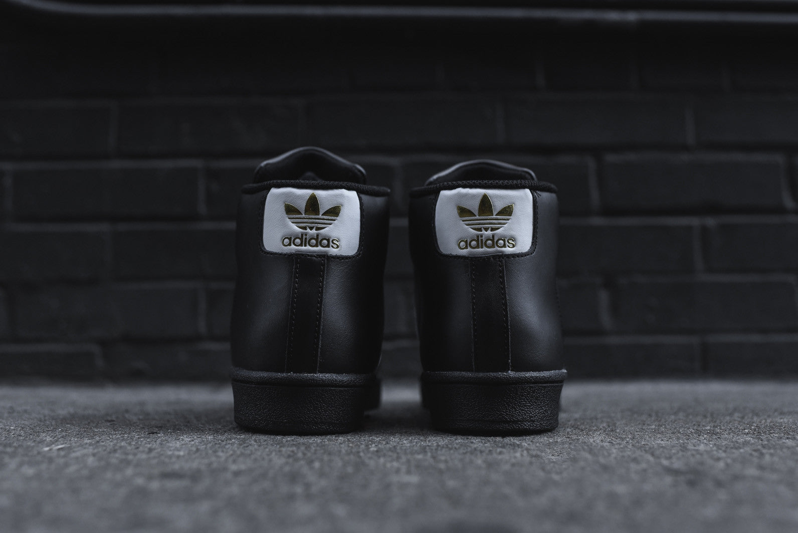 adidas Originals Pro Model - Black / White