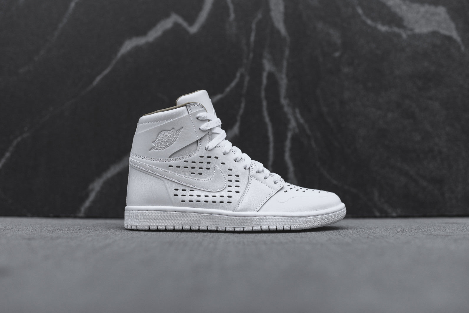Nike Air Jordan 1 Retro High Vachetta - White