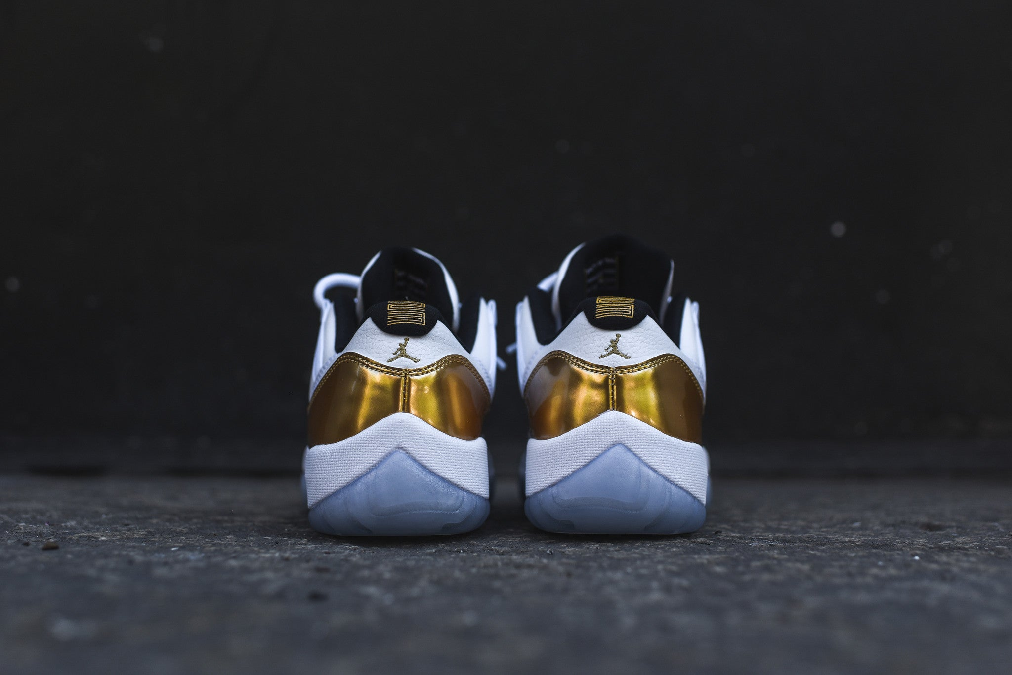 Nike GS Air Jordan XI Retro Low - White / Gold