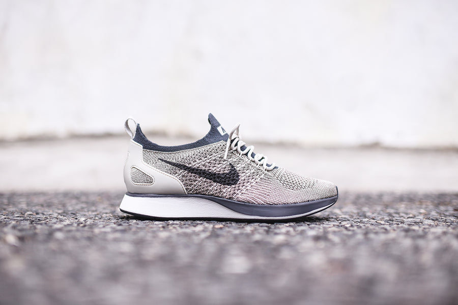 Nike WMNS Air Zoom Mariah FK Racer - Grey / White