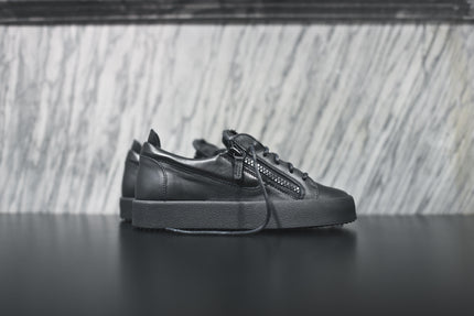 Giuseppe Zanotti London Low - Black / Matte Black