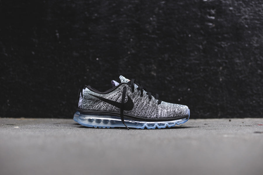 Nike Flyknit Air Max - White / Black