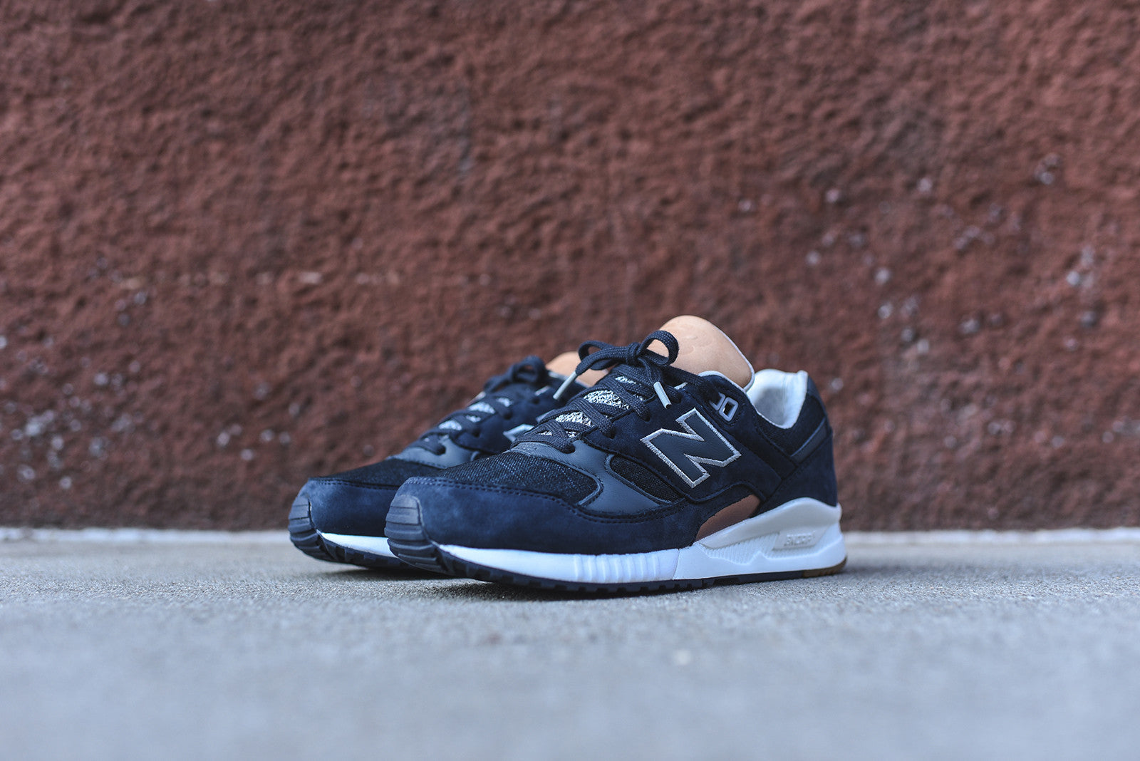 New Balance WMNS 530 - Outerspace Navy / Thunder