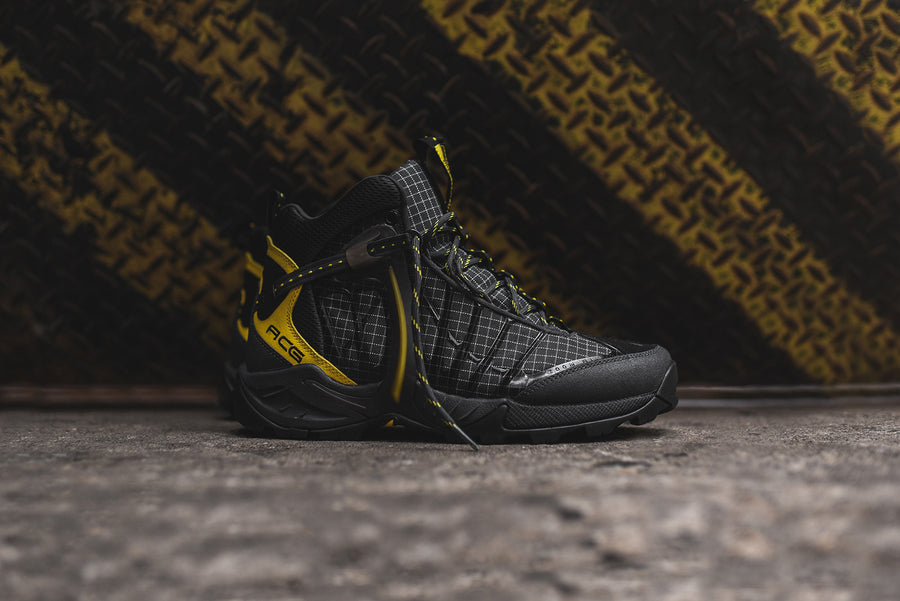 Nike ACG Air Zoom Tallac Lite OG Boot - Black / Yellow