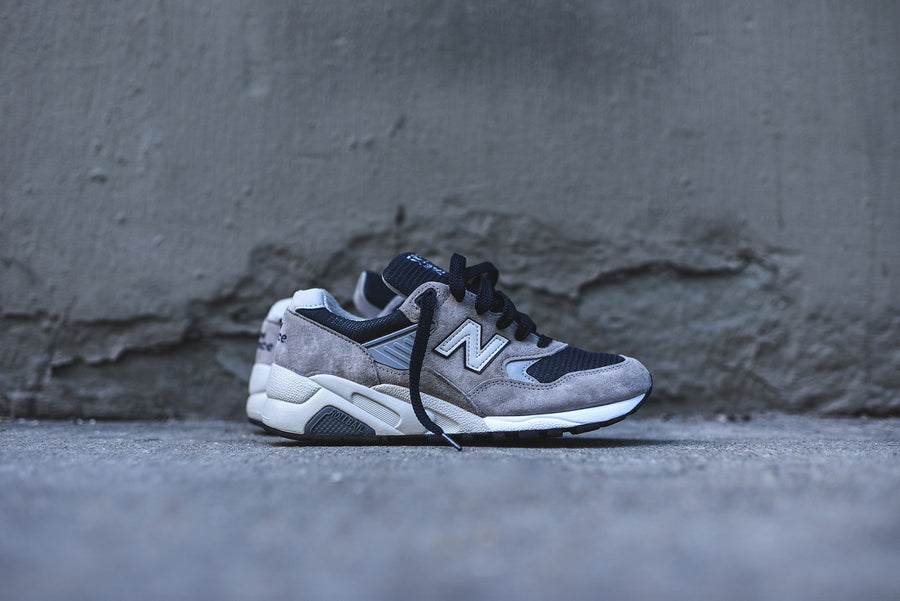 New Balance 585 Bringback - Grey / Navy