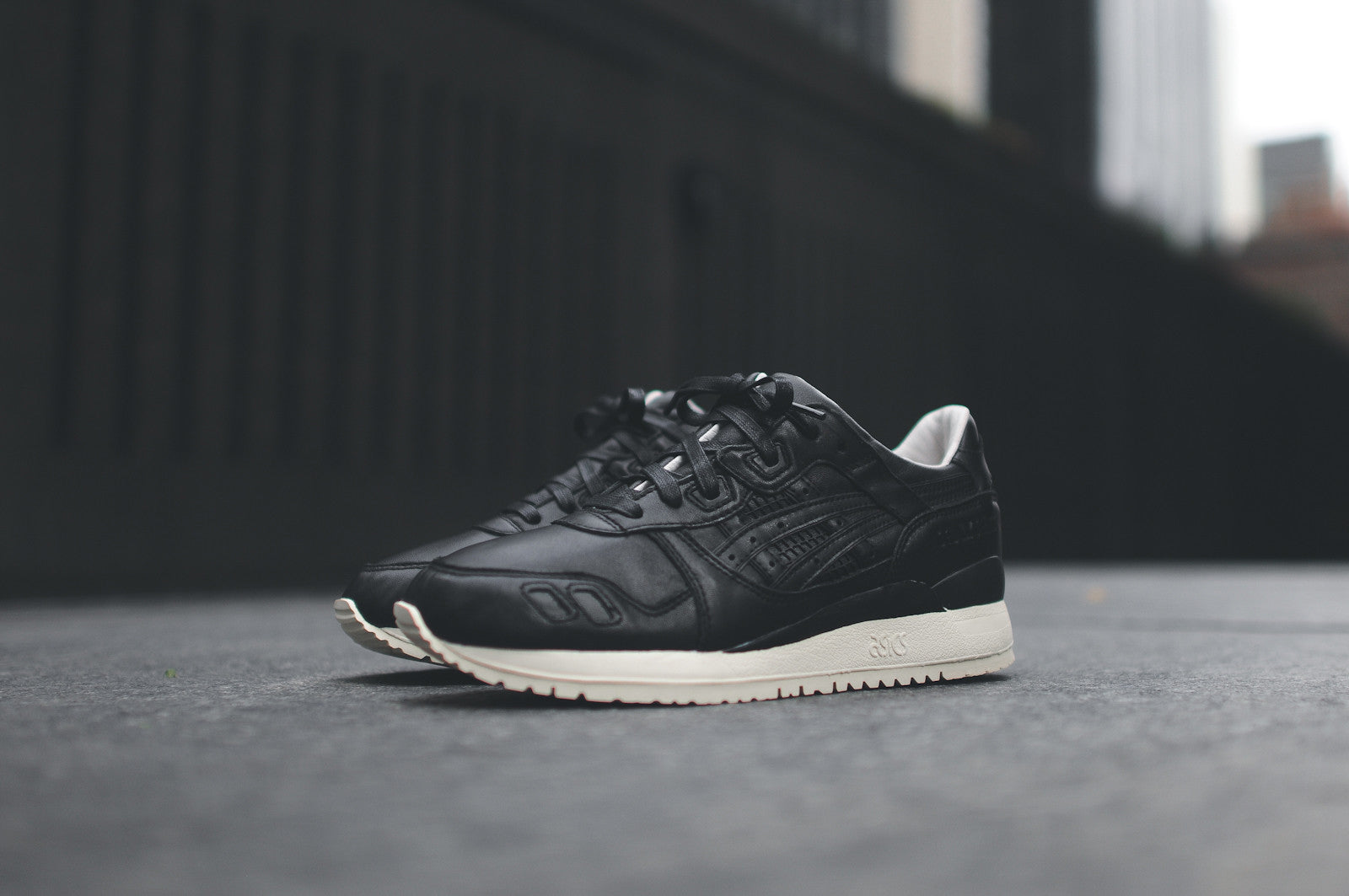 "KITH x Asics Gel Lyte III - ""Grand Opening"""
