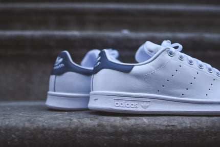 adidas Originals Stan Smith - White / Navy