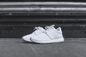 Nike WMNS Roshe One - Triple White