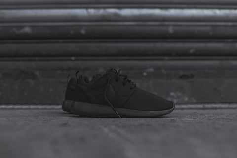 Nike WMNS Roshe One -Triple Black