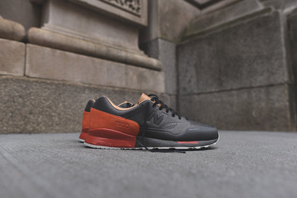 New Balance MD1500 Re-Engineered - Black / Red