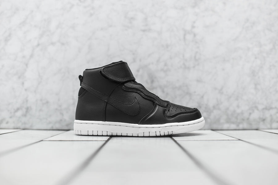 Nike WMNS Dunk High EZ - Black / White