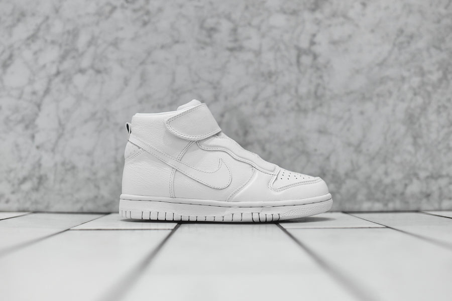 Nike WMNS Dunk High EZ - Triple White