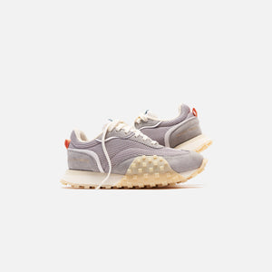 Filling Pieces Crease Runner - Grey