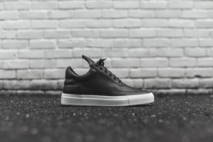 Filling Pieces Low Top - Black / White