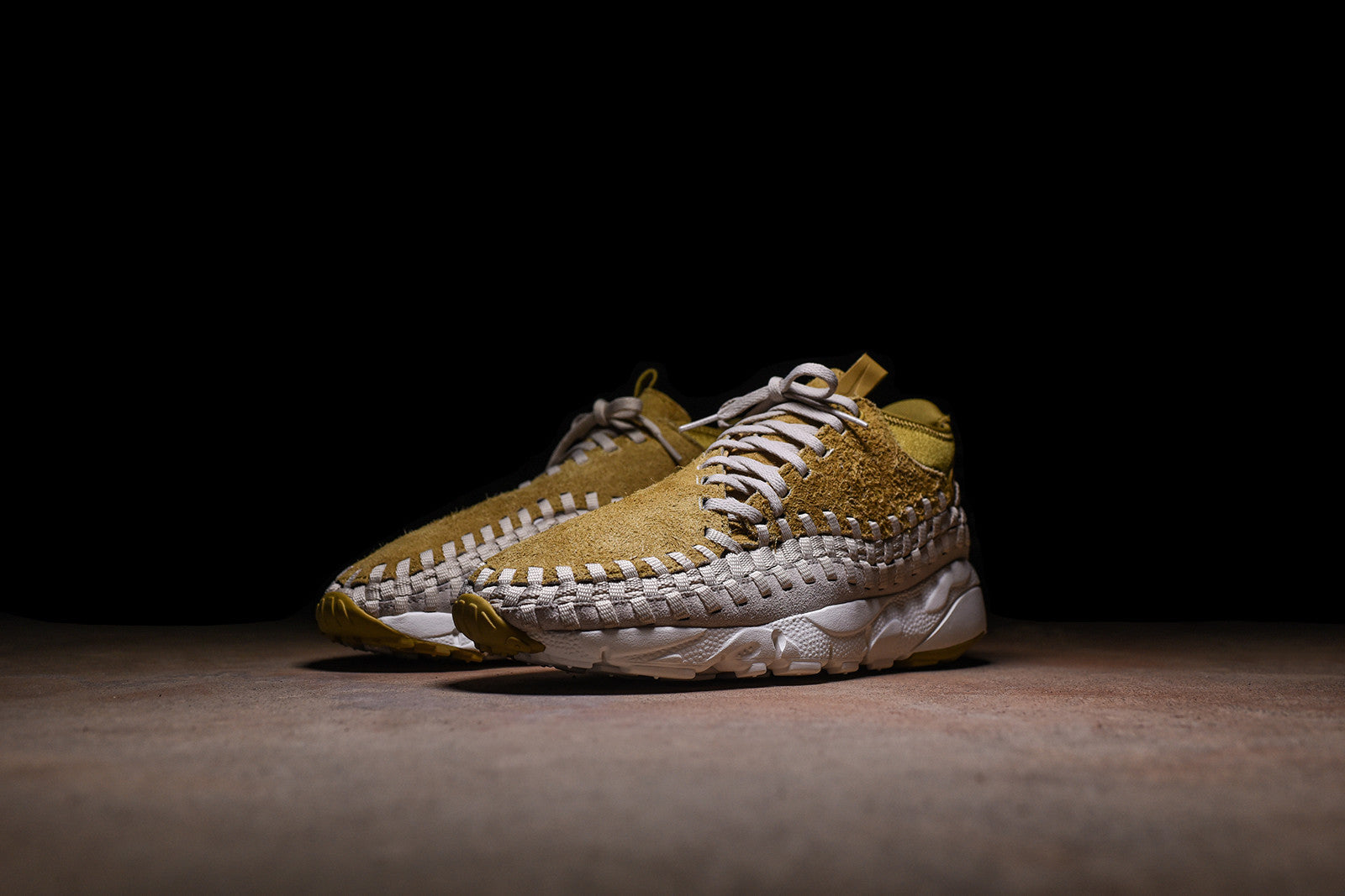 Nike Air Footscape Woven Chukka QS - Gold / Light Oreowood