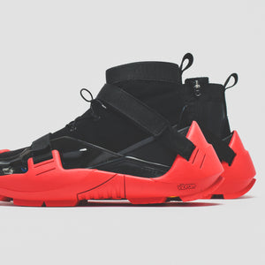 Nike x MMW Free TR 3 - Black / University Red