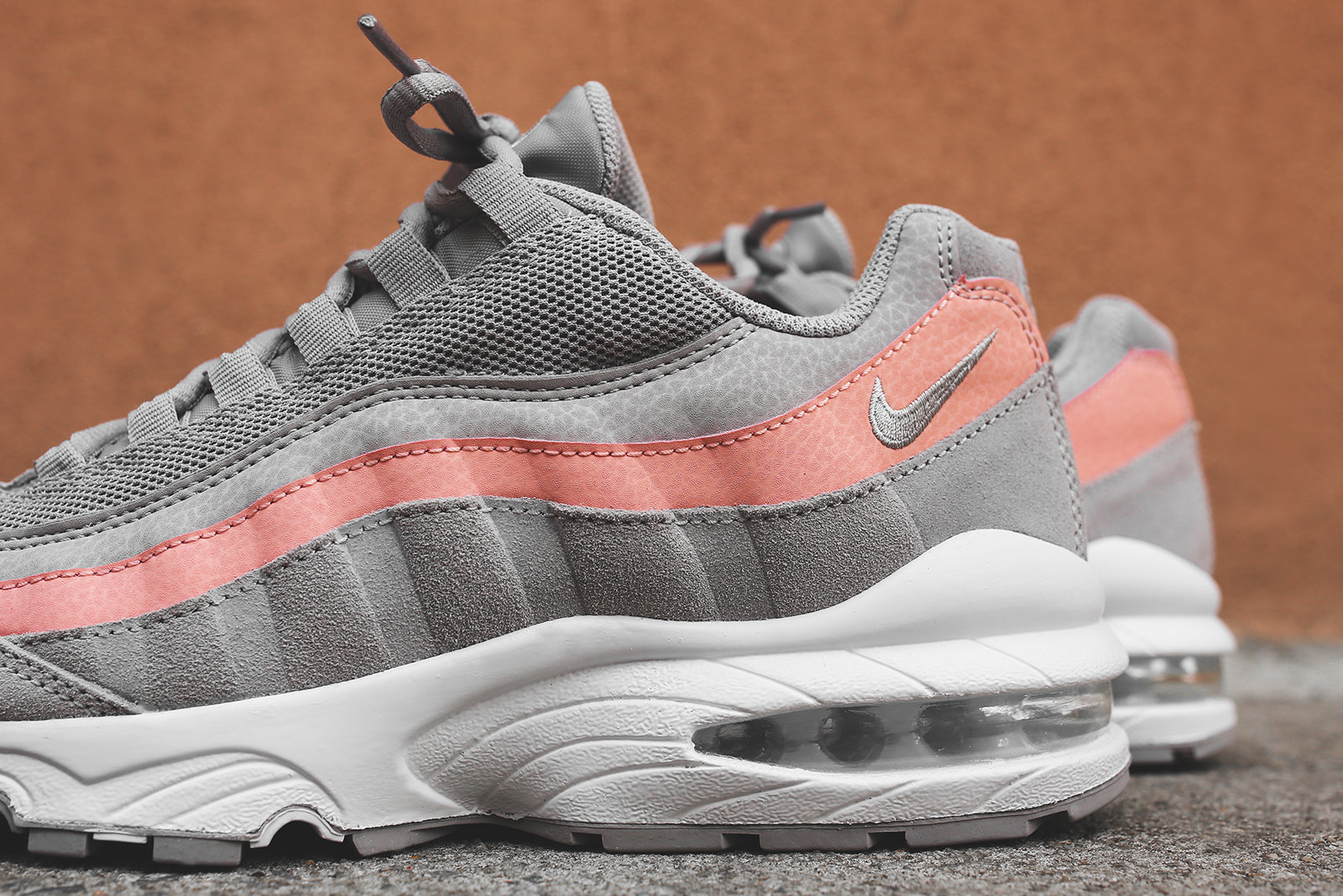 Nike Grade School Air Max 95 - Grey / Coral / White