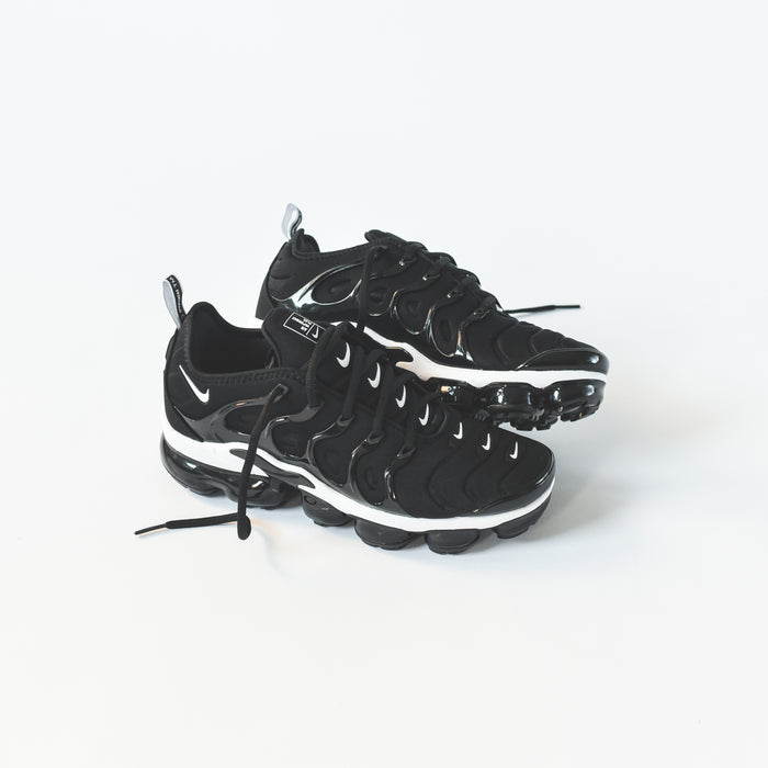 Nike Air VaporMax Plus - Black / White