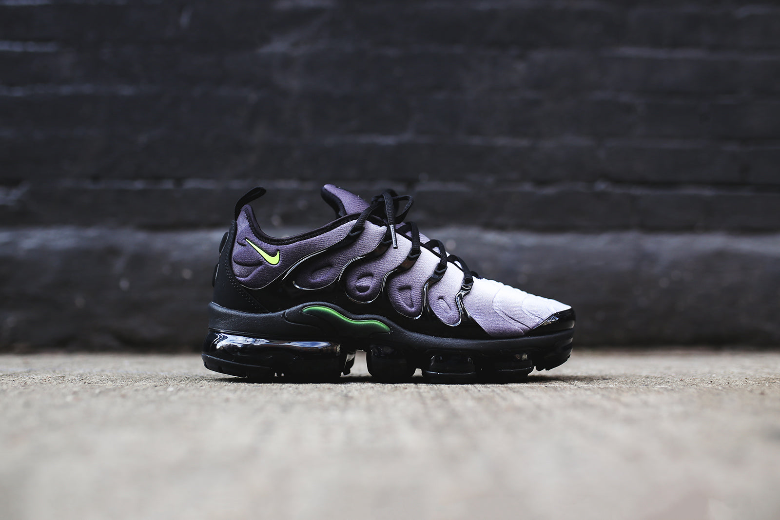 ac805f9299c Buy nike air vapormax plus womens price   up to 30% Discounts