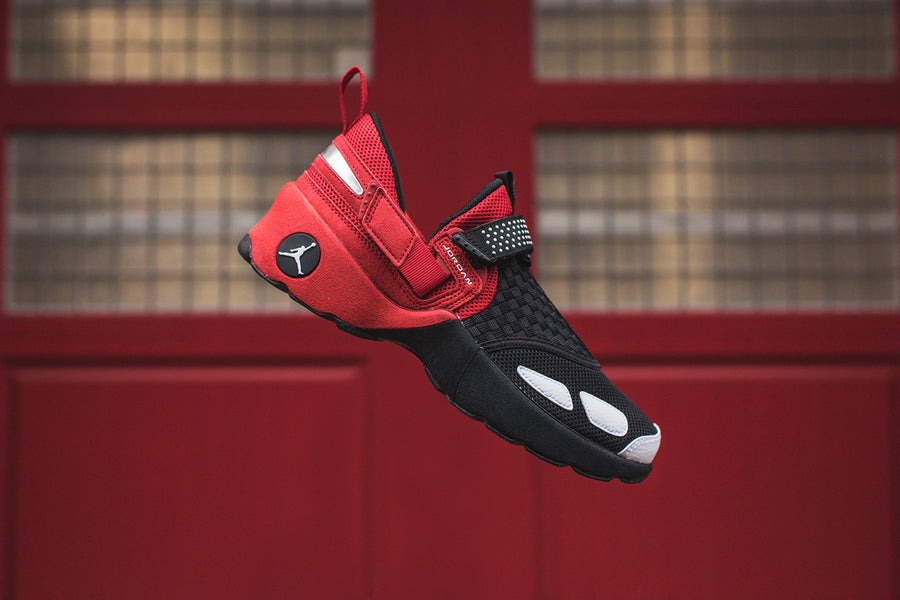 Nike Air Jordan Trunner LX OG - Black / White / Gym Red
