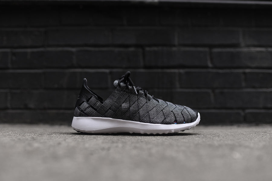 Nike WMNS Juvenate Woven PRM - Black / Grey