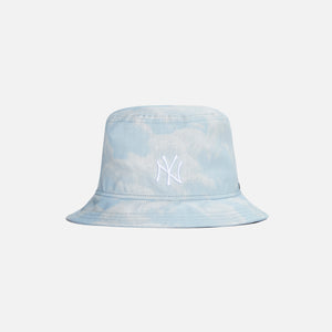 Kith for New Era Cloud Sky Bucket Hat - Summit