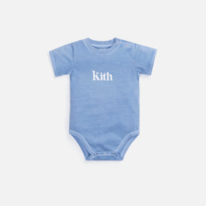 Kith Kids Baby Serif Onesie - Light Indigo