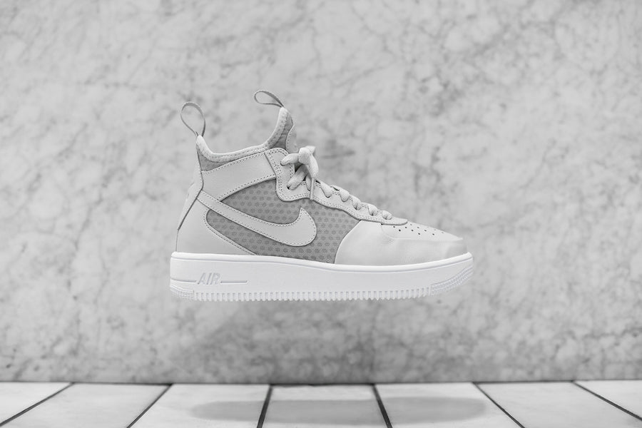 Nike WMNS Air Force 1 Ultraforce Mid - Light Bone