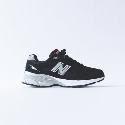 New Balance 990 v3 - Black / White