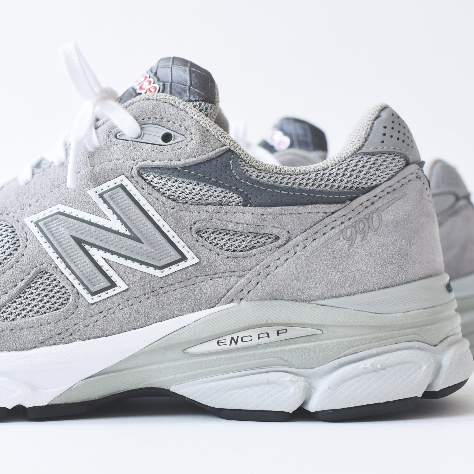 shop for authentic fashion styles world-wide renown New Balance 990 v3 - Grey / White