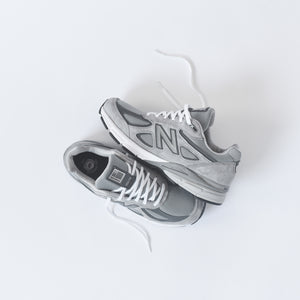 New Balance M990v4 - Grey / White