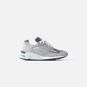 low priced e332e bbb1f New Balance 990 v2 - Grey / White - 12