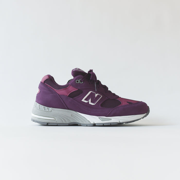 New Balance WMNS 991 - Purple