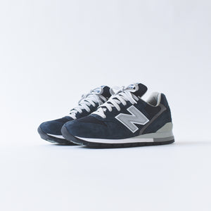 New Balance 996 - Navy / White