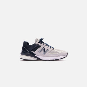 New Balance 990 V5 - Black / Grey