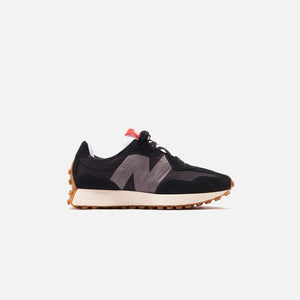 New Balance 327 - Black / Castlerock